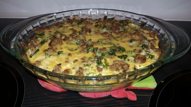 Keto-friendly Low-Carb Kale, Cheese & Sausage Breakfast Quiche