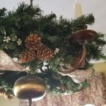 chistmas wreath on chandelier