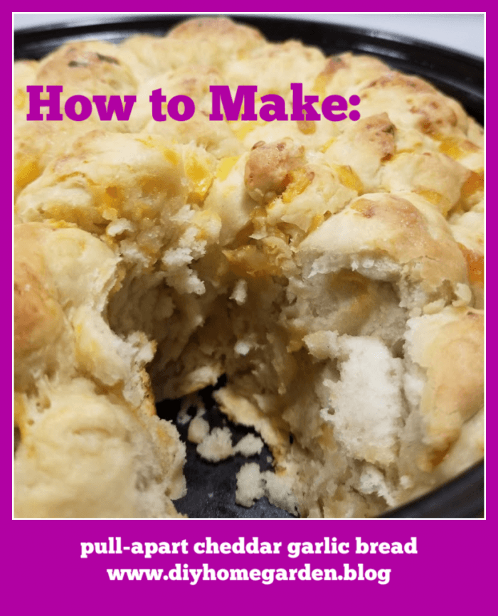 Pull-Apart Cheddar Garlic Bread
