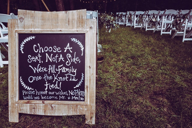 6 Helpful Hints for Hosting a Romantic Backyard Wedding