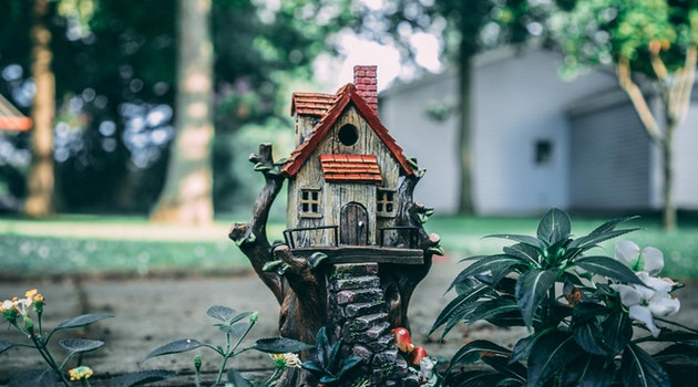 curb appeal birdhouse
