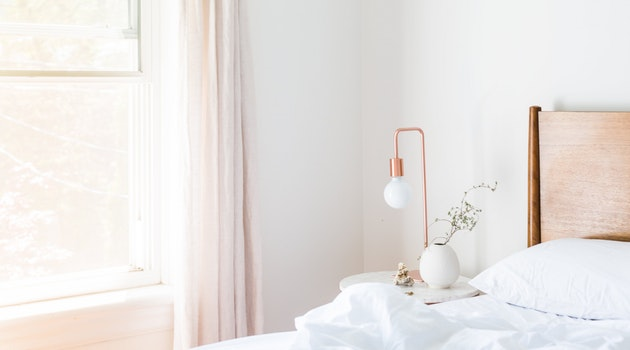 15 Hacks to Turn a Guest Bedroom into a Luxury Spot