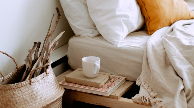 Design a Relaxing Bedroom With 10 Smart Tips