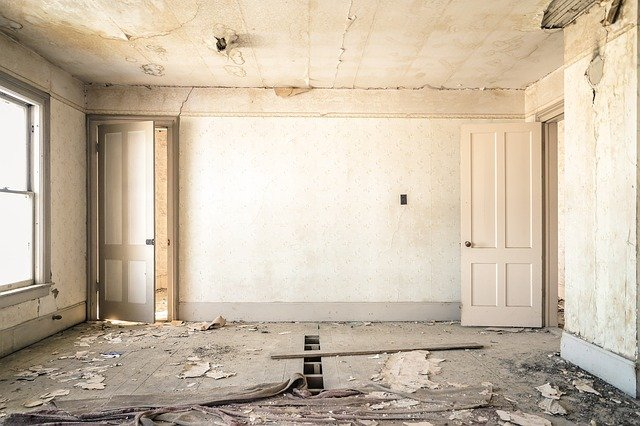 5 Essential Steps to Dealing with Water Damage in Your Home