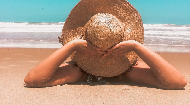 8 Simple Tips to Pack for a Sizzling Hot Summer Vacation
