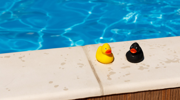 8 DIY Pool Cleaning and Maintenance Tips (Quick Improvising)