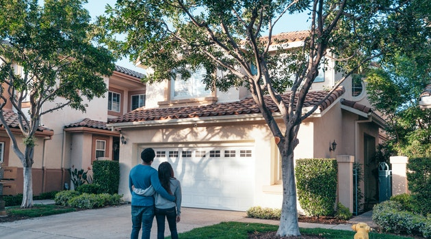 Look For These 7 Potential Pitfalls Before Buying a New House