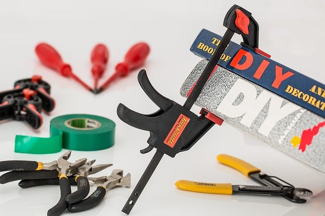 5 Tips to Help You Keep Safe When Doing DIY Projects