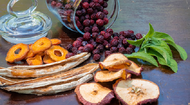 Dehydrate Foods by 3 Easy Methods: Electric Dehydrator, Oven, Air Fryer